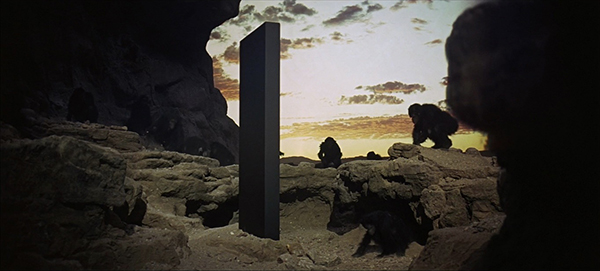 noir_monolith_odyssee_espace_mai_hua_600